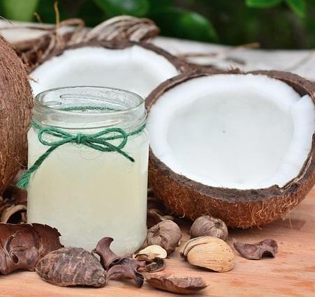 cold-pressed-virgin-coconut-oil-vitiligo-white-spots-treatment-8920125-3048411