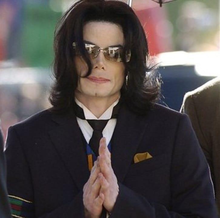michael-jackson-vitiligo-2008053-1170624